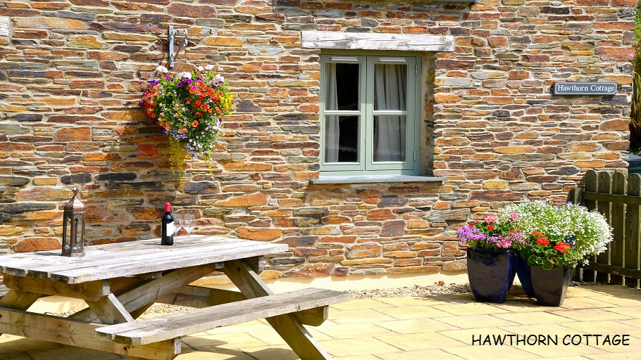 HAWTHORN COTTAGE 4571